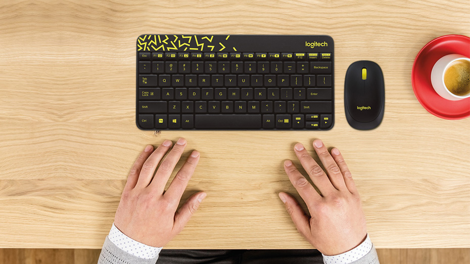 MK240 Wireless Compact Keyboard and countoured mouse