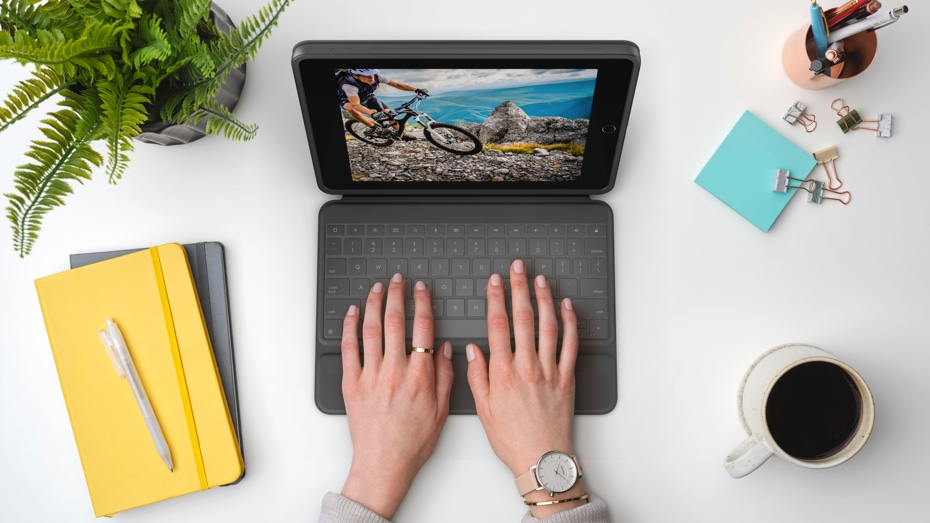 Rugged Folio | Typing on a desk scene